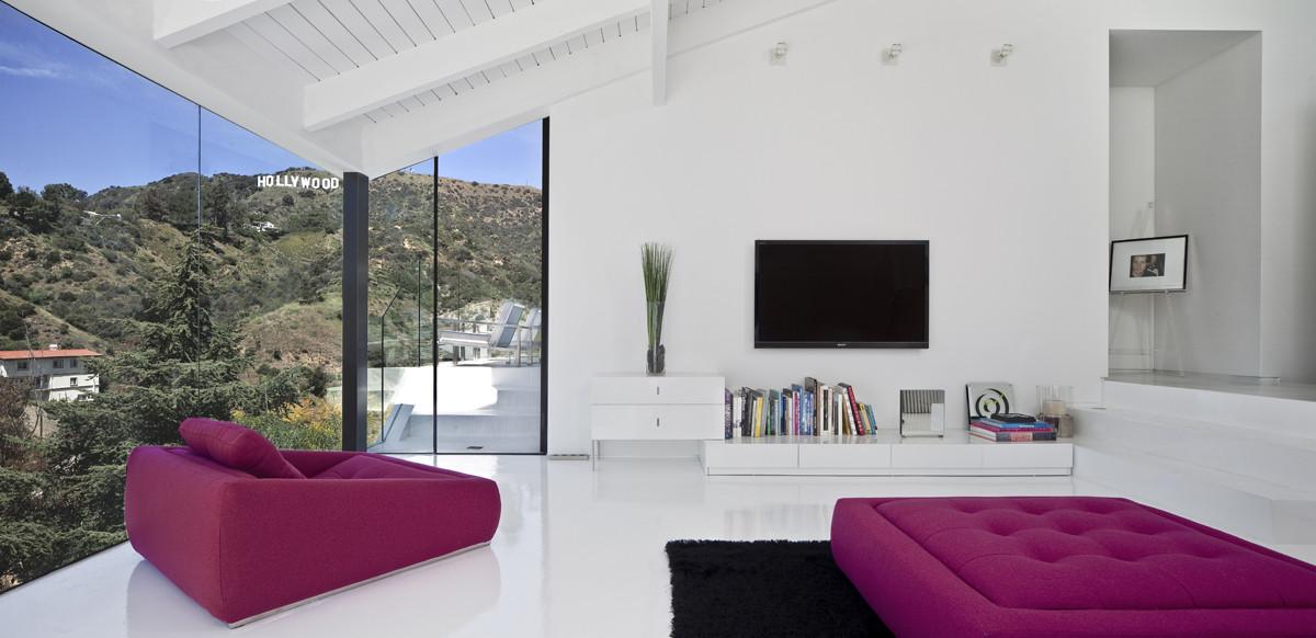 Nakahouse - Apstraktna kuća na padini grebena Holivud