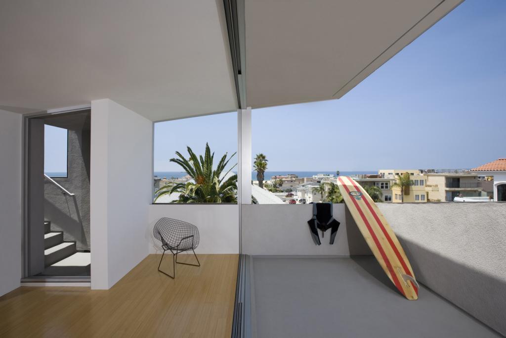 kuca surfa 4 kuća Kuća surfa - Pametno iskorišćen mali prostor za kuću pored plaže kuca surfa 4