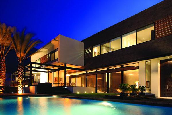 Savremena kuća modernog enterijera (FOTO)