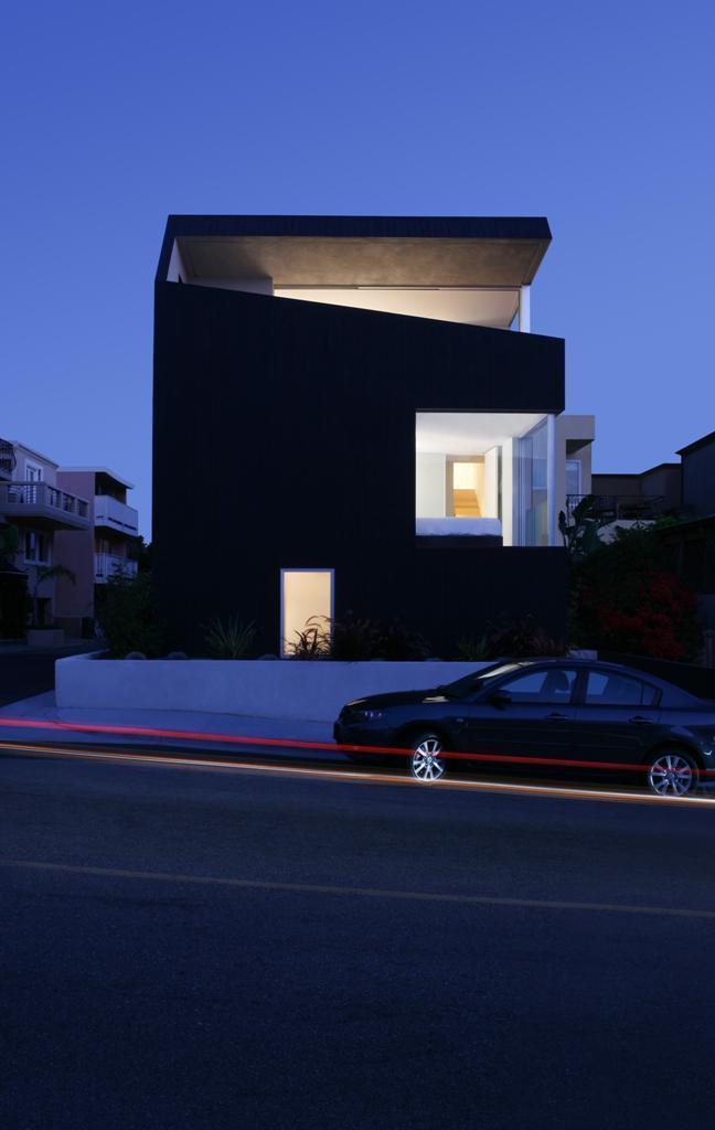 Kuća surfa - Pametno iskorišćen mali prostor za kuću pored plaže
