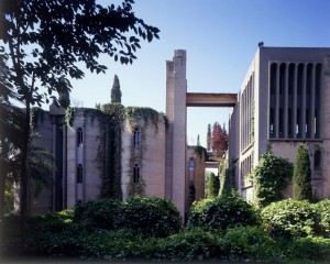 cement-factory-renovation-la-fabrica-ricardo-bofill-5-58b3e203cdd99__880 (1)